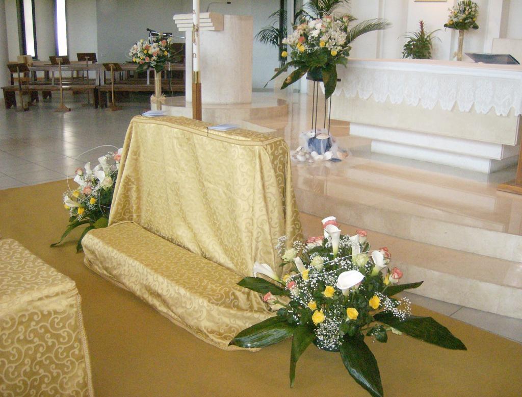 Anniversario Di Matrimonio Liturgia.Matrimonio Parrocchia San Francesco Di Sales